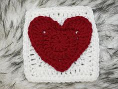 Heart Granny Square, Granny Square Pattern Free, Granny Square Crochet Pattern, Crochet Squares, Crochet Granny, Crochet Hearts, Granny Squares, Crochet Flowers, Crochet Shoes Pattern