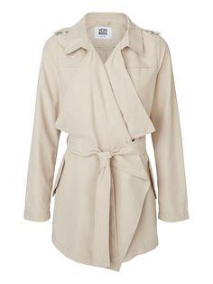 Trench coat from VERO MODA. A true classic that should belong in every woman's wardrobe.