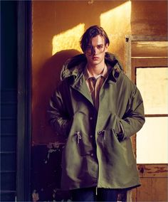 Mango Man enlists actor Olivier Martinez and model Jegor Venned as the stars of its fall-winter 2017 campaign. Mario Sorrenti photographs the pair for the… Olivier Martinez, Mario Sorrenti, Mango Fashion, Wardrobe Basics, Parka, Male Models, Editorial Fashion, Latest Trends, Cool Outfits