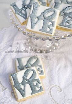 I've made the LOVE cookies several times in the past( Love cookies on the stick , Tree Love Cookie ) and so when the order came for Silver ...