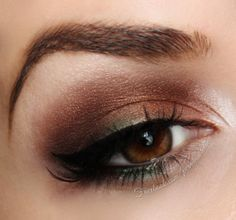 Look like a goddess with these bronzey hues and hints of green. This smokey eye is a perfect pop of color to dress up your night out look. My Beauty, Hair Beauty, Beauty Ideas, Copper Eye, Beauty Planet, Makeup Tips, Makeup Ideas, Everyday Makeup, War Paint
