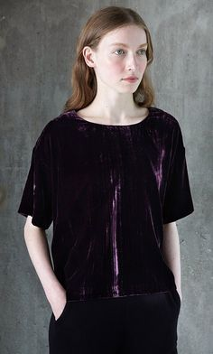 Berry-coloured top in crushed velvet. Plumo.com