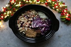 A delicious and easy recipe for Slow Cooker Red Cabbage, the ultimate side dish for Christmas Day! Slow Cooker Red Cabbage, Cooked Red Cabbage, Slow Cooker Recipes, Beef Recipes, Christmas Ham, Fussy Eaters, Easy Meals For Kids, Slow Cooker Chicken, Main Meals