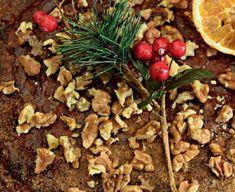 Αυτή η συνταγή συνδυάζει δύο ιδιαίτερα αγαπημένες γεύσεις, μελομακάρονο και κέικ, δημιουργούν ένα αποτέλεσμα που ...τερματίζει την απόλαυση! Muffins, Sweets, Beef, Cupcakes, Food, Meat, Muffin, Cupcake Cakes, Gummi Candy