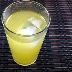 Banana Popsicle (1oz vanilla vodka, 1oz banana liqueur, equal parts orange juice and pineapple juice)