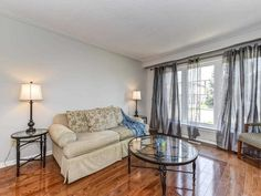 10 Kenton Crt, Whitby ONTARIO - 5   MLS Canada House, Mls Listings, Ontario, Condo, Real Estate, Real Estates