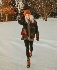10 Winter Outfits To Still Look Cute On Even The Coldest Days - - Casual Winter Outfits Winter Outfits For Teen Girls, Casual Outfits For Teens, Outfits With Hats, Casual Winter Outfits, Mode Outfits, Fall Outfits, Outfits 2016, Outfit Winter, Classy Outfits