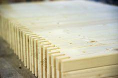 TEHDÄÄN HYVIN | HANDMADE QUALITY Työvaihe: Sormiliitosten valmistaminen | Craft: Finger joints production Tuotantolinja: Sohvat | Production line: Sofas  #pohjanmaan #pohjanmaankaluste #käsintehty