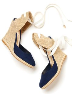 The Kate Espadrille Wedges will be the finishing touch to your favorite sun dress. The lace up feature and canvas color blocking are great features to these summer espadrilles. Lace Up Wedge Sandals, Lace Up Espadrilles, Shoes Heels Wedges, Wedge Shoes, Espadrille Wedge, Strappy Wedges, Shoes Sandals, Fashion Moda, Fashion Shoes