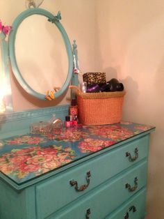 Vintage Dressing up cycled dressing table painted with teal chalk paint and given a clear wax protective layer. Blue floral paper was then added to top of unit protected by a large sheet of glass. Furniture Update, Furniture Projects, Furniture Making, Furniture Makeover, Diy Furniture, Distressed Furniture, Repurposed Furniture, Vintage Furniture, Dresser Top