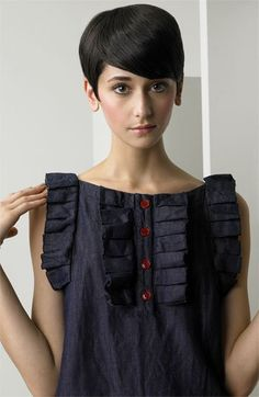 See by Chloé Ruffle Trim Denim Dress. Not sure I could wear this (model is precious) but I love the saturation of the denim and the red button accents, not to mention the detail around the chest and arms. Diy Camisa, Gamine Style, Shirt Refashion, Diy Fashion, Petite Fashion, Curvy Fashion, Fall Fashion, Style Fashion, See By Chloe