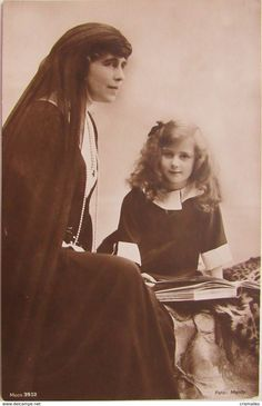 Queen Marie of Romania with her youngest daughter, Princess Ileana. Victoria And Albert, Queen Victoria, Michael I Of Romania, Romanian Royal Family, Maud Of Wales, Victorian Life, Royal House, European History, Royal Weddings