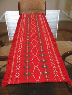 Red Green & White Christmas Table Runner in by rdrunnercreations