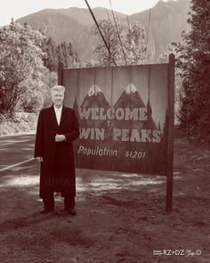 Happy birthday to the legendary What's your favorite work by him? Twin Peaks Tv, David Lynch Twin Peaks, Martin Scorsese, Stanley Kubrick, Alfred Hitchcock, Tv Movie, Love Twins, Between Two Worlds, Movies Showing