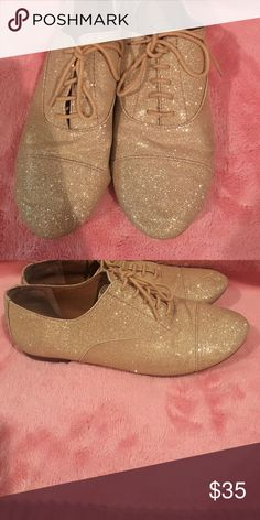 Gianni Bini Gold Glitter Oxfords Basically brand new glitter oxfords. Champagne- Gold color. They've only been worn a couple of times no scruffs. Great shoes to wear to dress up or make any outfit look good. I've gotten a ton of compliments on these . Gianni Bini Shoes Flats & Loafers