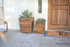 Rich Brown Slatted Wooden Porch Planter Wooden Planter Boxes Diy, Large Wooden Planters, Large Planter Boxes, Outdoor Planter Boxes, Wooden Garden Planters, Porch Planter, Planter Ideas, Wooden Diy, Front Door Planters