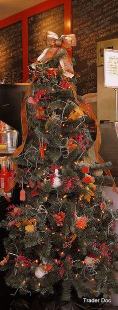 Thanksgiving tree Gulf Shores-Orange Beach Condo Rentals-Alabama - halloween decoration rentals