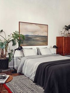 The Best Calming Bedroom Color Schemes - Patterned rug / Home Accessories Stockholm Apartment, Apartment Interior, Apartment Design, Apartment 9, Interior Stylist, Calming Bedroom Colors, Bedroom Color Schemes, Colour Schemes, Interior Design Examples