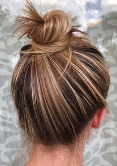 Most Amazing Top Knot Bun Hairstyles You Must Try in 2018 Most . - Most Amazing Top Knot Bun Hairstyles You Must Try in 2018 Most Amazing Top Knot Bu - Brown Hair Shades, Brown Blonde Hair, Brown Hair Colors, Ombre Hair, Balayage Hair, Honey Balayage, Easy Bun Hairstyles, Hairstyle Ideas, Male Hairstyles