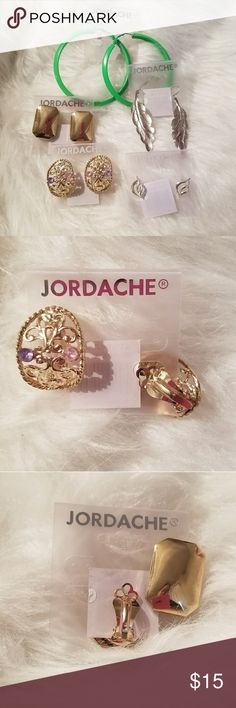 💟B2G1💟Jordache Vintage 5 earrings lot 5 Vintage earrings Mixed Styles  (2) Clip Closure    ▪ B2G1 free 💟 Bundle 3 items with a 💟 *free item will be the one with less or equal value*  ▪25% off 🛍 Bundle 4 or more items and get 25% off automatically with my seller discount price  **B2G1 NOT applicable***   ▪$4,99 SHIPPING 🚛 Bundle over $25   ▪FREE SHIPPING 🚛 Bundle over $50 Jordache Jewelry Earrings