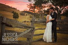 Wedding Photography / Sunset Wedding / Kilcoy Farmstay / Wedding Kiss / Sunflower theme Wedding / Jessica Nichols Photography