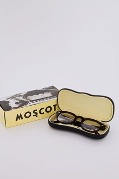Packaging, type, illustration, and product design - LOVE love Love!! MOSCOT  Lemtosh Tortoise Clear