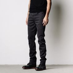 The Charcoal Twill Skinny-Slim jean is crafted with pliant stretch and recovery, thanks to our super soft and flexible slub fabric. Garment dyed yarns lend light texture, durability, and all day comfort. Try this favored fit in Charcoal for an edgy, current look.