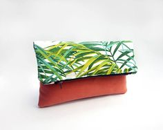 Palm leaf bag / Fold over clutch bag / Tropical handbag / Foldover clutch bag with green palm leaves print / Evening bag / Pochette / Sac