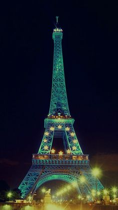 Cute Eiffel Tower Wallpaper