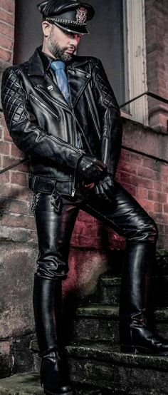 Mens Leather Coats, Men's Leather Jacket, Leather Gloves, Black Leather, Jacket Men, Denim Fashion, Leather Fashion, Tight Leather Pants, Leder Outfits