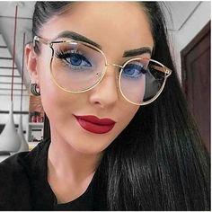 Fashion Eye Glasses, Cat Eye Glasses, Clear Round Glasses, Glasses Trends, Womens Glasses Frames, Lunette Style, Vintage Mode, Vintage Style, Vintage Fashion