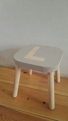 IKEA Flisat kruk, bewerkt met Annie Sloan verf. www.bregblogt.nl