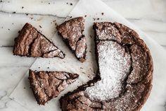 Chocolate Almond Cak
