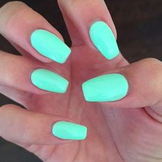Want some ideas for wedding nail polish designs? This article is a collection of our favorite nail polish designs for your special day. Nails Yellow, Mint Nails, Neon Nails, Summer Nails 2018, Cute Summer Nails, Summer Nail Polish, Wedding Nail Polish, Cute Summer Nail Designs, Cool Nail Designs
