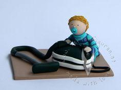 Baby für die Tauftorte mit seinem liebsten Spielzeug - Baby Caketopper Baby Car Seats, Children, Boys, Character, Kids, Big Kids, Senior Boys, Children's Comics