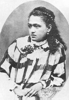 Ari'i-'Otare Teari'i-maeva-rua III Pomare (28 May 1871 – 19 November 1932) was the last Queen of the Tahitian island of Bora Bora from 1873 to 1895.