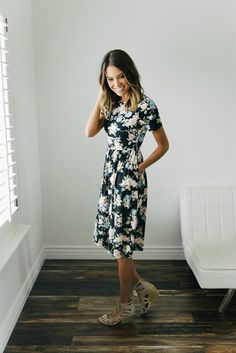 Talk about the perfect floral dress for any occasion!  This midi is easy to dress up, or just wear casually. It is so versatile and is perfect for this season.