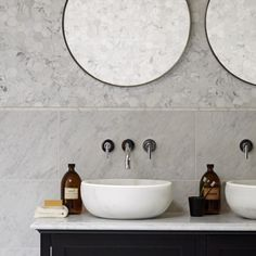 This vanity unit with a Chelsea stone vanity top was designed exclusively for Mandarin Stone. Stone, Bathroom Inspiration Modern, Victorian Terrace Interior, Mandarin Stone, Round Mirror Bathroom, Hexagonal Mosaic, Painted Vanity, Vanity Units, Vanity Top