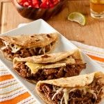Brie & Brisket Quesadillas/Tacos with Mango Barbecue Sauce. I want to try this minus the cheese. Brisket tacos with mango barbecue sauce. Brisket Tacos, Brisket Rub, Pork Tacos, Baked Tacos, Brisket Sandwich, Slow Cooker Recipes, Crockpot Recipes, Cooking Recipes, Oats Recipes