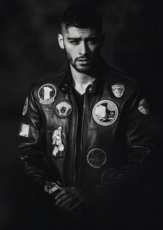 #wattpad #non-ficiune An exclusive excerpt from the first and only official book from ZAYN, available worldwide November 1st. Global superstar ZAYN shares a photographic journey of his life since leaving One Direction.      ZAYN opens up with this collection of thoughts, inspiration, and never-before-seen personal photo...