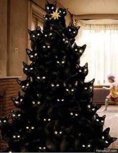 Creepy Black Cat Tree | 20 Christmas Trees That Went Beyond Their Call Of Duty