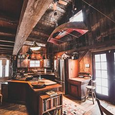 Vintage farm kitchen with wooden walls and a boat hanging from the ceiling. 🚣‍ Boat hanging in the kitchen Cabin Kitchens, Street House, Cabin Interiors, Country Interiors, Vintage Farm, Cozy Cabin, Dream Rooms, Log Homes, Tiny Homes