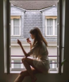Paula Markert (@paulamarkert) • Instagram photos and videos Apartment View, Parisian Apartment, Spencer Hastings, Cute Photography, Girl Inspiration, Selfish, Pretty Little Liars, Getting Old, Daydream