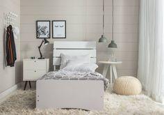 Para sair dos tradicionais rosa e azul uma sugestão incrível é optar por uma decor neutra no quarto dos filhos. Elementos claros com toques de cinza proporcionam uma atmosfera moderna e suave ao ambiente.  Produtos: - Cama Solteiro Camila Branca Bianchi Móveis; - Criado Mudo BPP 02-129 Branco; - Mesa Lateral Ellis Branco;  #producaoMobly #Mobly #moblybr #casamobly #casa #decorating #decoracaodeinteriores #decorar #decor #producaoMobly #inspiracao #instahome #instadecor #instagood…