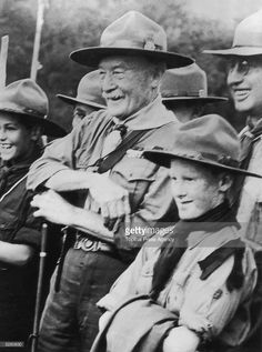 4000 Year Old Bird Drips Blood During War Time (a story from Lord Baden-Powell, founder of the Boy Scouts) Girl Scout Swap, Girl Scout Leader, Baden Powell Scouts, Scout Knots, Robert Baden Powell, Wood Badge, Scout Activities, Girl Scout Crafts, Brownie Girl Scouts