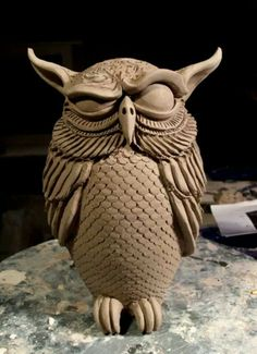 Most recent Free owl Sculpture Clay Thoughts There are lots of different types of clay-based used by figurine, almost all varying in terms of dealing with Ceramic Birds, Ceramic Animals, Clay Animals, Ceramic Clay, Ceramic Pottery, Pottery Art, Bird Sculpture, Animal Sculptures, Pottery Sculpture