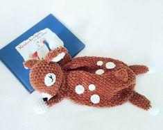 Du magst Rehe / Rehkitze, häkelst gern und Schmusetücher / Schnuffeltücher magst Du auch? Dann probiers aus mit dieser PDF-Anleitung und passender Wolle. Crochet Lovey, Crochet Cactus, Knitting Designs, Knitting Patterns, Sewing Patterns, Crochet Animals, Baby Patterns, Crochet Necklace, Bunny