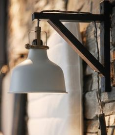 Wall light with wooden support
