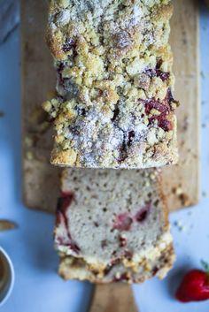 Rezept für Erdbeer Streusel Bananenbrot – strawberry streusel banana bread | Zucker, Zimt und Liebe | Bloglovin'