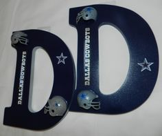 NFL Letters are a great way to decorate a man cave, kids room or entertainment room! They make a great gift for the sports enthusiast in your family. Dallas Cowboys Room, Dallas Cowboys Gifts, Dallas Cowboys Quotes, Cowboys 4, Cowboys Wreath, Cowboy Accessories, Cowboy Crafts, Cowboy Room, Cowboy Games